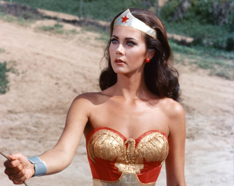 Il faut bailloner Wonder Woman… et vite !!