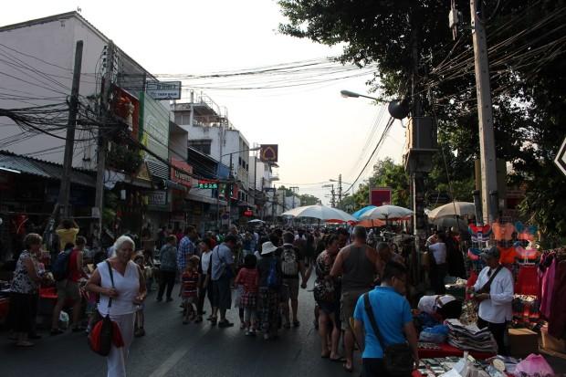 Sunday-Walking-Street (5)