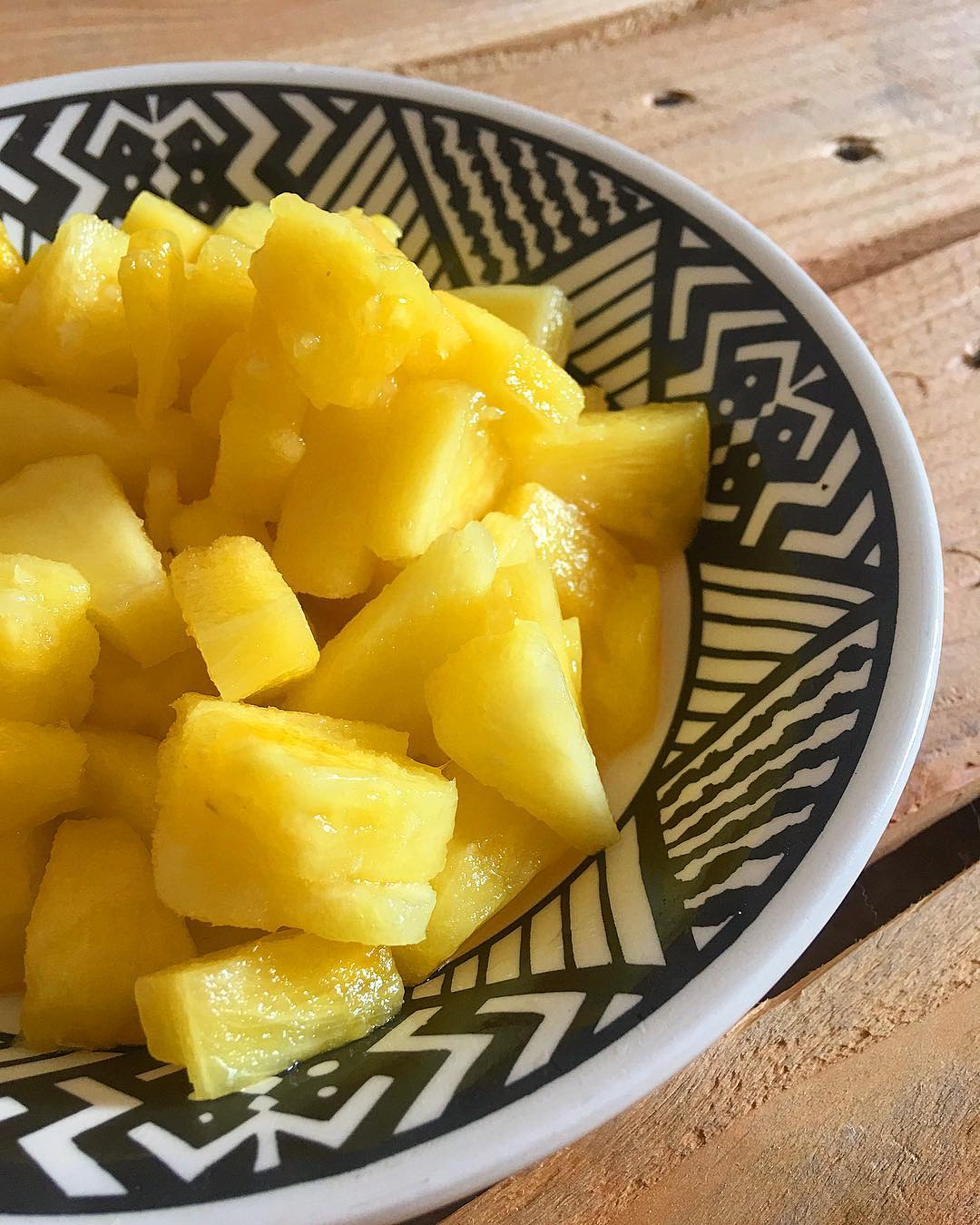 ANANAS ? mi amor ? bon'ap  _______________ #ananas #ananas? #fruits #food #blogfood #foodblog #foodblogger #gastronomie #southOfFrance #SudDeFrance #cityTrip  #travel #blogTravel #TravelBlog #frenchBlogger #blogueuse #blog #blogueusedusud #pintademontpellier #montpellier #homesweethome #healthyfood #healthy #healthylife