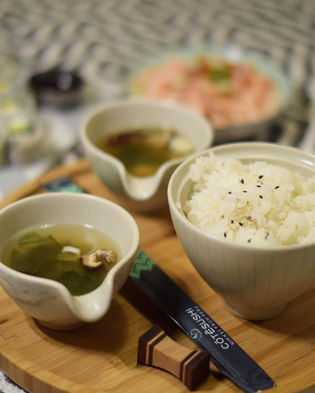 SUSHI TIME ? ce soir je teste @cotesushi_france ?? enfin de bons sushis à Montpellier ... mais pas que! Car ce sont des spécialités japonaises ET péruviennes ?? ?? . . . ? -10% avec le code promo : PINTADE10 _____________ #cotesushi #sushi #japanfood #peruvianfood #blogfood #foodblog #pintademontpellier #montpellier #instafood #foodlover #soup #miso #ceviche #maki #california #nikkei #nikkeifromperu #cotesushimontpellier #nikkeifood #codepromo