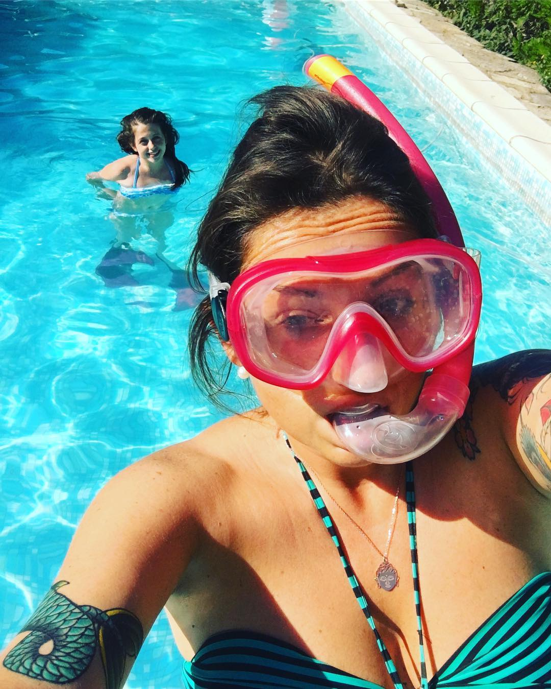 BiSous de nous ??? . ____________  #poolparty #swimmingpool #pintademontpellier #pouleparty #montpellier #travelblog #travelphotography #blogtravel #blogvoyage