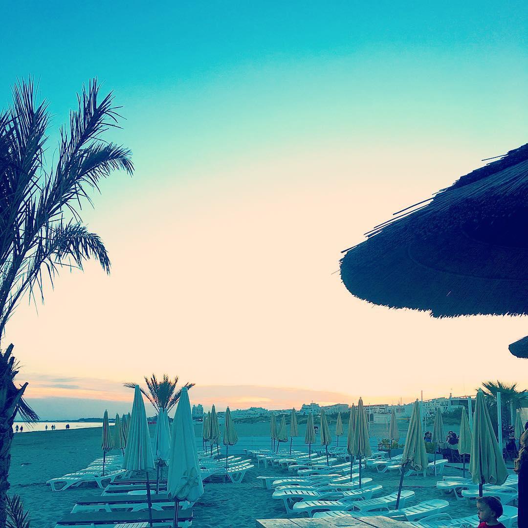 Sunset à la @lagrandplageboheme PLAISIR ?la saison est ouverte pour nous ? FIRE  ____________________ #GrandPlageBohème #lagrandplageboheme #beach #beachlife #plageprivee #sunset #friends #pintademontpellier #montpellier #travelblog #travelblogger #travelphotography #voyage #travelphotography