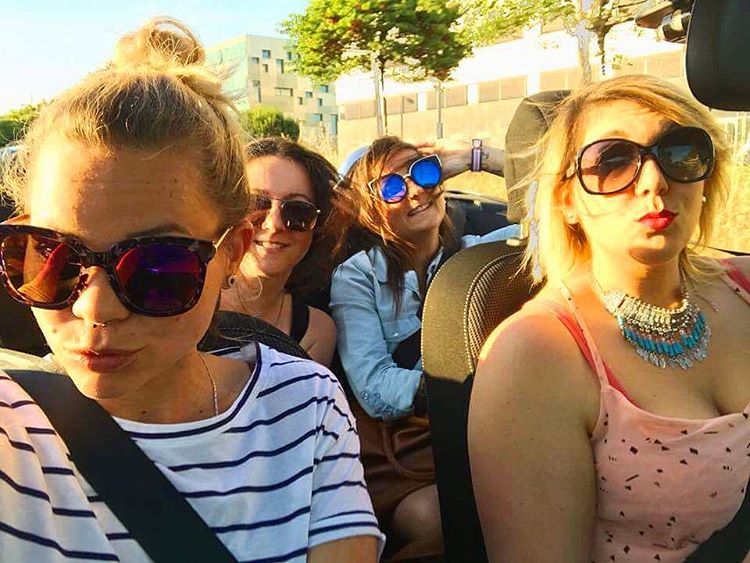 POUF POUF ❤️? Cagoles et cabriolet ✌?HAPPY  ____________ #family #friends #montpellier #pintademontpellier #happy #car #cabriolet