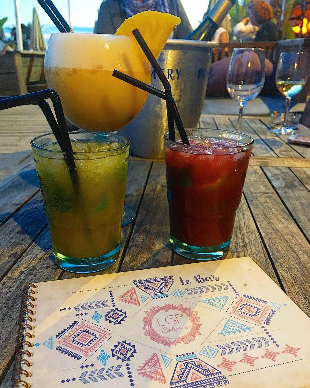 Aller 2ème tournée ... en avant ! ? ____________________ #GrandPlageBohème #lagrandplageboheme #beach #beachlife #plageprivee #sunset #friends #pintademontpellier #montpellier #travelblog #travelblogger #travelphotography #voyage #travelphotography