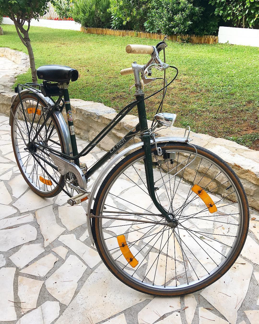 Mon beau vélo ?... #passionvelovintage  _______________  #velo #velovintage #sport #balade #montpellier #pintademontpellier #pimpmyride #xzibit #pimpmyvelo #bike