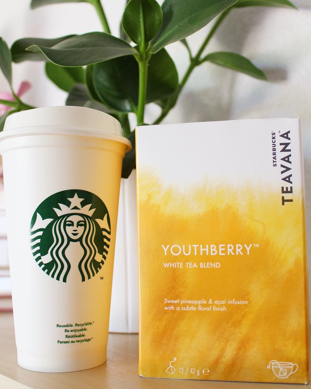 Et oui @starbucksfrance fait aussi du thé ? On goûte ! Merci Starbucks Montpellier ??☕️ . ➕ STARBUCKS • coffee shop ?Montpellier (34)?? . __________ #starbucks #starbuckscoffee #starbucksmontpellier #montpellier #barista #torrefacteur #cafe #coffee #pintademontpellier #blog #blogueuse #coffeeshop #tea #whitetea #teavana