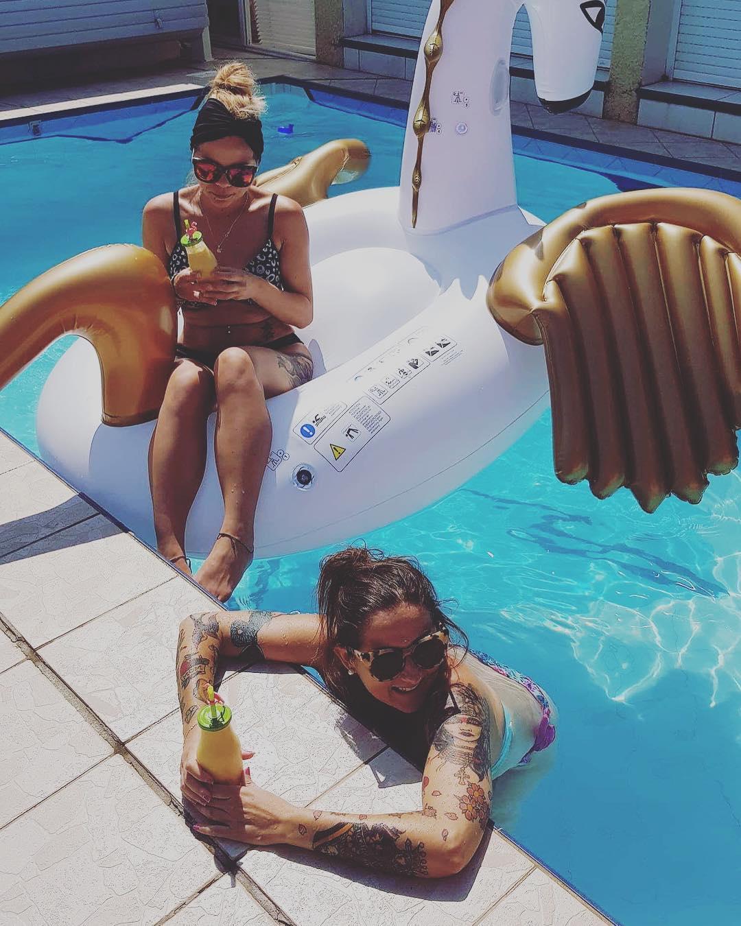 Poules Party ?? .  __________ #poolparty #pouleparty #swimmingpool #marseillan #marseillanplage #montpellier #pintademontpellier #mojito #fetedumojito #fetedumojitomontpellier