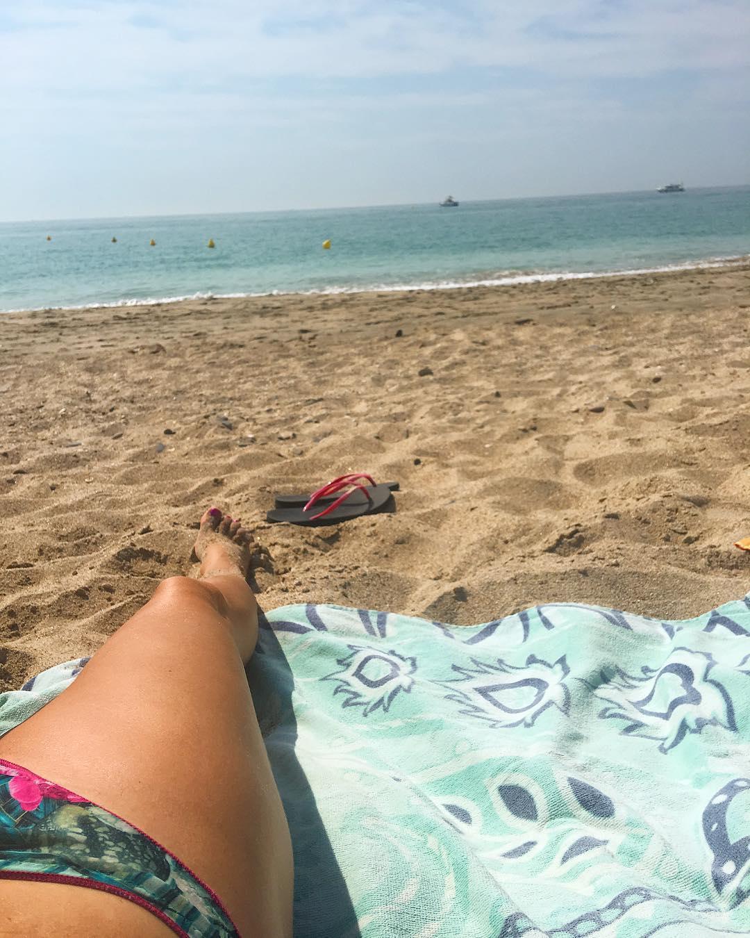 Plages sauvages, mes préférées ?? ... mais chuuuttt ! EncORE les seuls endroits qui ne sont pas surpeuplés l'été ?? . ➕ Plage Villeneuve les Maguelone . ?Montpellier (34)?? .  ________________ #villeneuvelèsmaguelone #beach #beachlife #beachlover #travel #travelphotography #travelblogger #blogtravel #pintademontpellier #montpellier #palavas #pintademontpellier