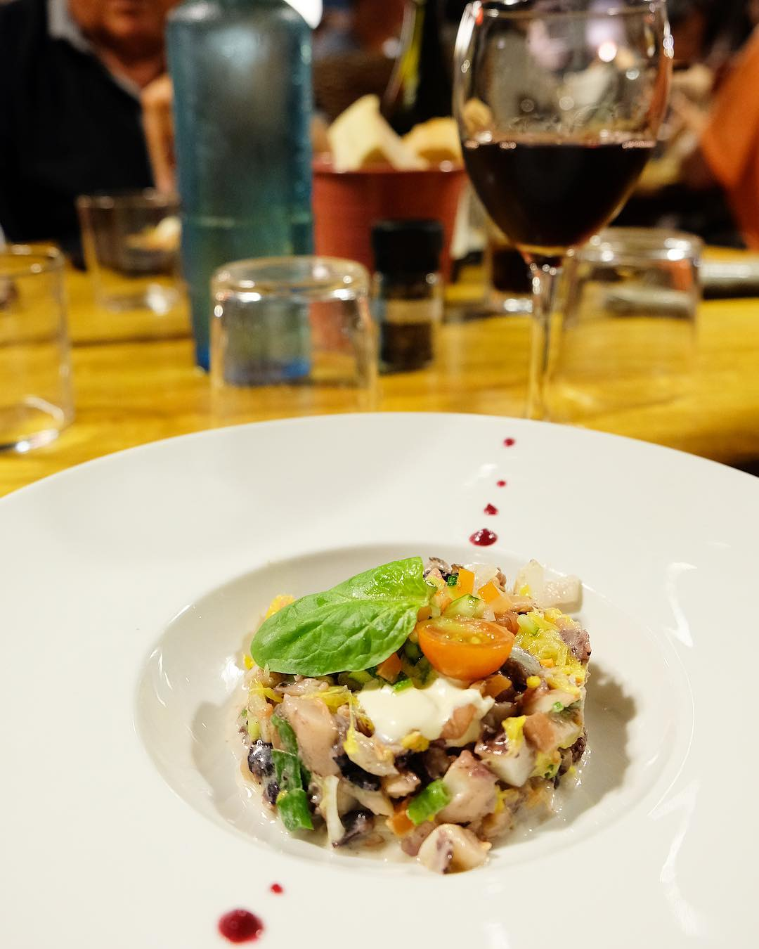 〰 P O U L P E ? 〰 . . ➕ LE J • restaurant de Plage à l'année . ? Carnon (34)?? ??? Bientôt Article sur le blog  _______________ #lejcarnon #restaurant #food #foodlover #blogfood #foodporn #foodstagram #gastronomy #cooking #foodphotography #montpellier #carnon #pintademontpellier #seiche #beachlife