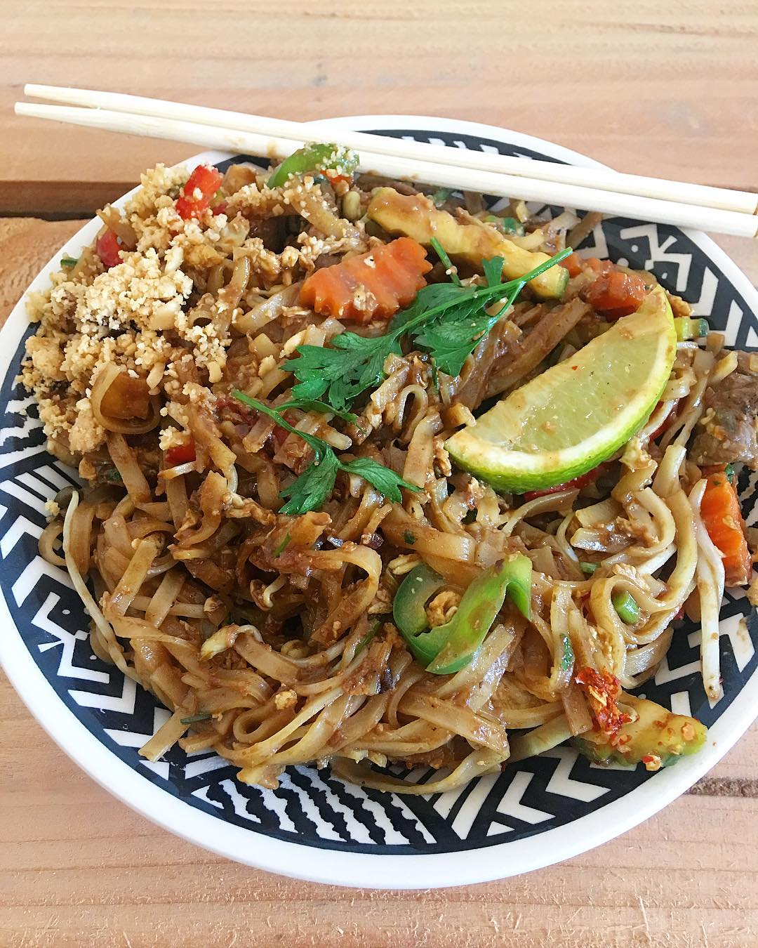 ... quand il fait froid, envie de chaleur ?? PAD THAÏ my love ? ______ #asianFood #thaifood #padthai #restaurant #cityguide #food #blogfood #gastronomy #gastronomie #cityTrip #foodlover #foodblogger #food #frenchBlogger #blogueuse #blog #pintademontpellier #montpellier