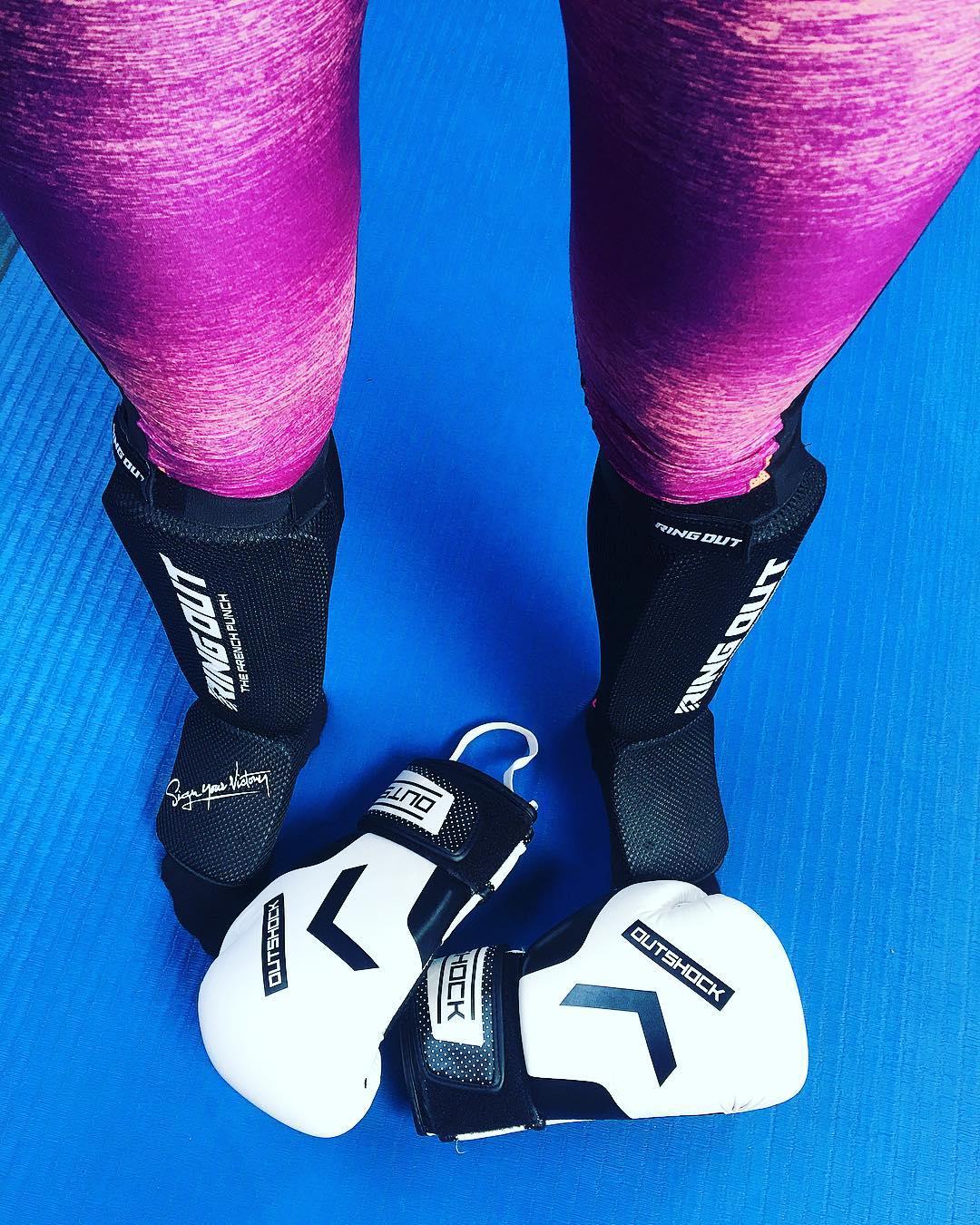 ... c'est la reprise ? Oohhh bordel j'ai des bras en chewing-gum ? . . ➕ #defiSport 3 mois avec @lenuagemtp ☁️ ? objectifs : -6kg et tonique bordel ! . ? J 27/90 jours . . ??♀️ Tu peux tout suivre sur :  #PintadeSport & #NoPainNoSaucisson  __________________ #dynamitecenter #boxe #boxing #fight #fighting #tbc #sport #blogsport #pintademontpellier #fitness #workout #swimming  #MonChallengeSante #ChallengeSante #teambouboule #BefitBeKind  #dubndiducrewmtp #dubndiducrewmontpellier #dubndiducrew #RFCmarseille