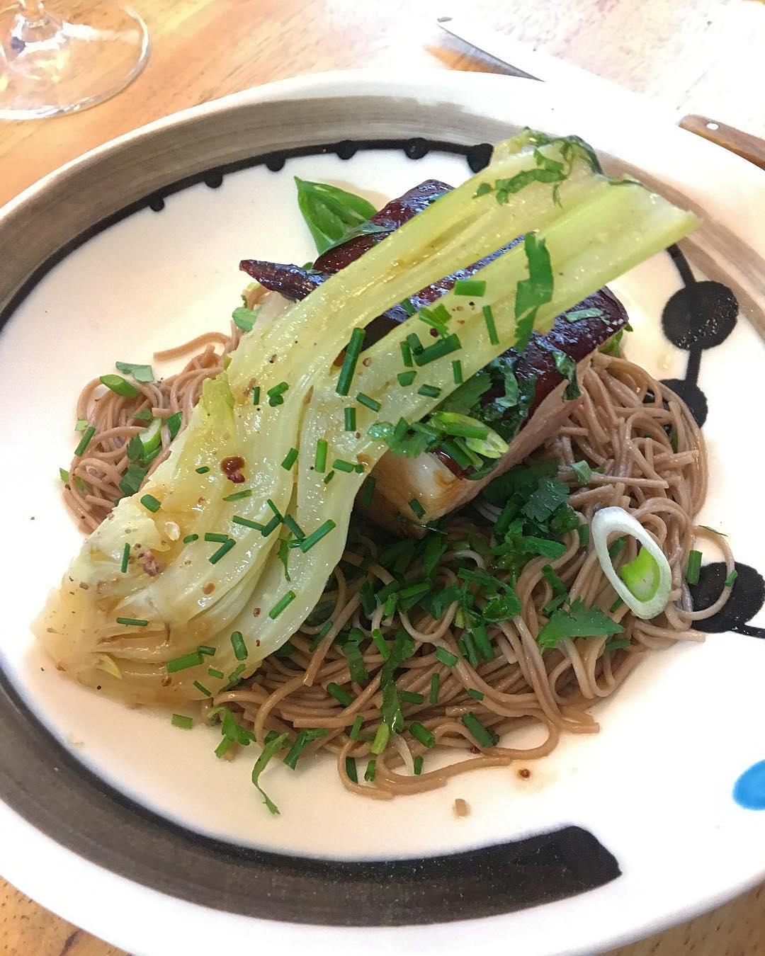 Poitrine de porc Tirabuixo, Fenouil Confit, Soba, Poivre de Sichuan ?? . .  Toujours une régalade d'aller chez les garçons @restaurantanga ! Toujours des découvertes gustatives... ils sont forts! . . ➕ ANGA • Restaurant . ?MONTPELLIER(34)?? ??? Article sur le blog {lien dans la bio} ______ #anga #angamontpellier #angarestaurant #bibmichelin #Food #gastronomie #cooking #foodblog #Blog #PintadeMontpellier #Montpellier #BlogueuseFood #BlogFood #foodblogger #montpellier #lunch #diner