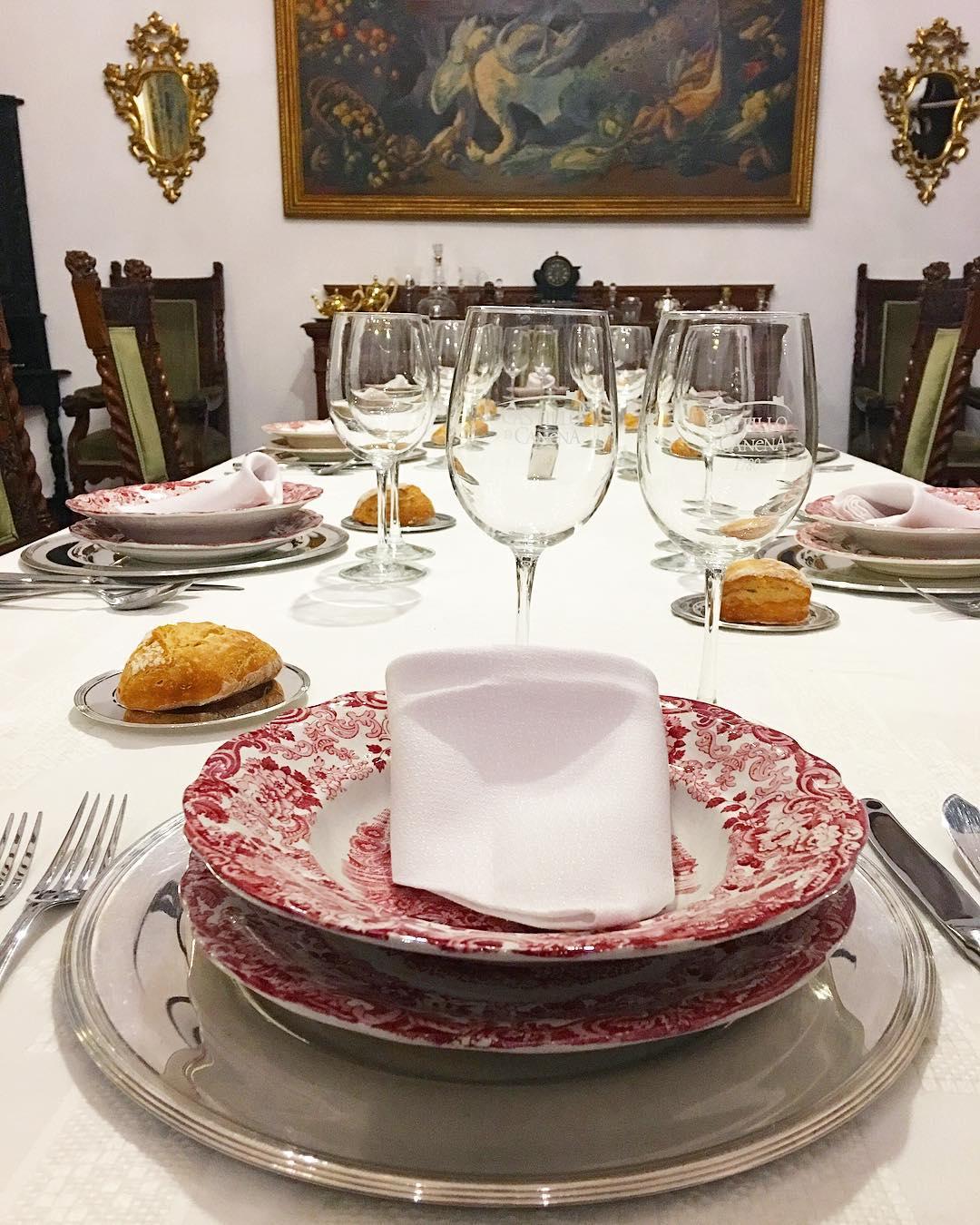 En el castillo como una princesa . . ➕ Castello de Canena • Producteur d'huiles d'olive ?  Canena • Spain ?? . ? 6 jours en ANDALOUSIE . ?? tout suivre sur #PintadeEspagne .  ________________  #andaluciatasteslike #andalousie #spain #espagne #andalucia #tourismo #gastronomie #food #blogfood #foodblogger #tourisme #travel #travelblog #blogtravel #trip #citytrip #pintademontpellier #blogvoyage #travelgram #travellover #cityguide #visitspain #almeria #jaen #granada #malaga #castillodecanena